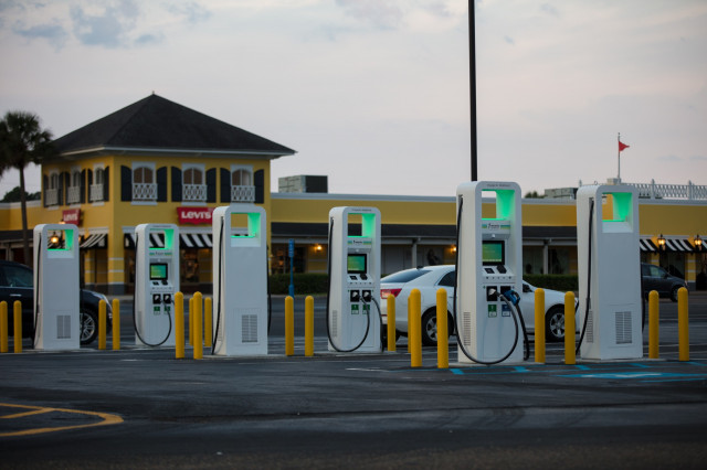 Electrify America DC fast chargers in Gulfport, Mississippi