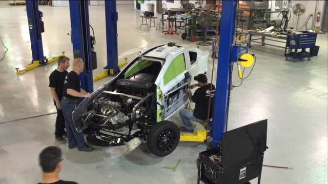 Elio E1A test vehicle under construction, June 2016