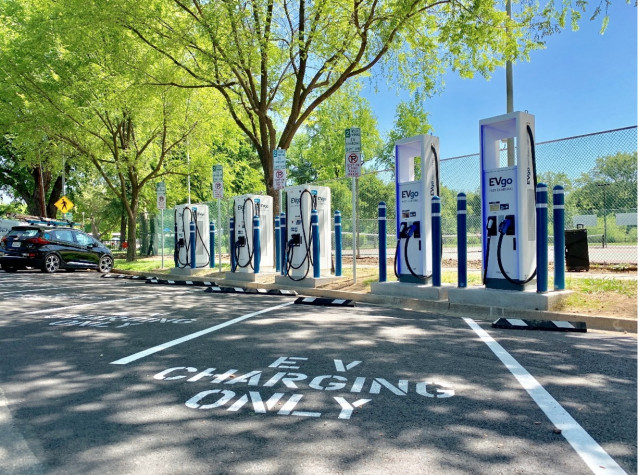 EVgo curbside DC fast chargers at Southside Park, Sacramento, California [CREDIT: EVgo]