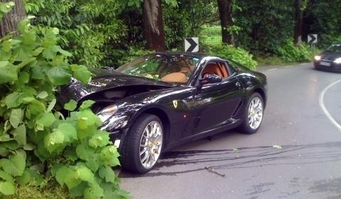 Ferrari 599 GTB Fiorano crash in Slovenia