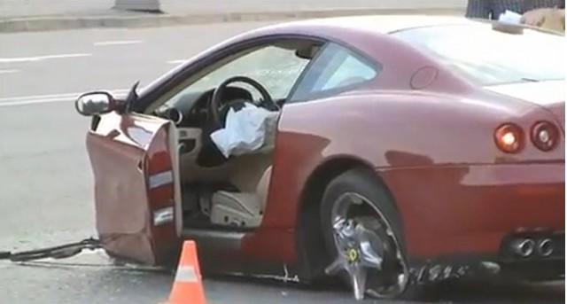 Ferrari 612 Scaglietti crash in Moscow, Russia