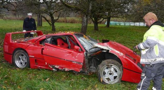 Ferrari F40 crashes in Germany