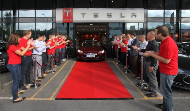 First 2013 Tesla Model S delivered in Europe (Photo: @TeslaMotors on Twitter)