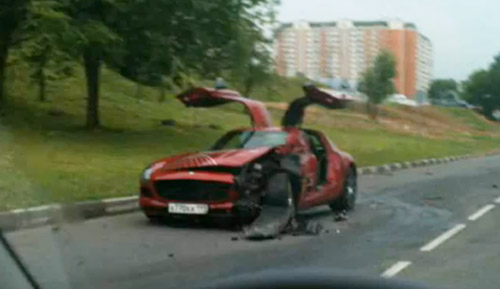 First crashed 2011 Mercedes-Benz SLS AMG