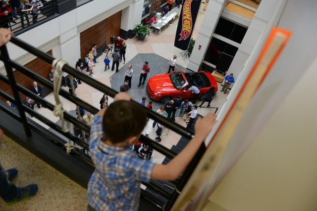 Ford Engineer & Family Set New Hot Wheels Loop Record