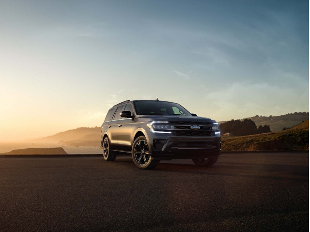 2022 Ford Expedition Stealth Performance