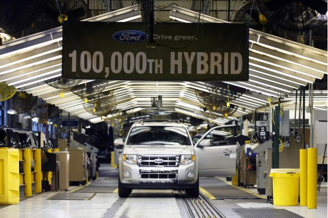 Ford S 100 000th Hybrid Rolls Off The Kansas City Embly Line In March 2009