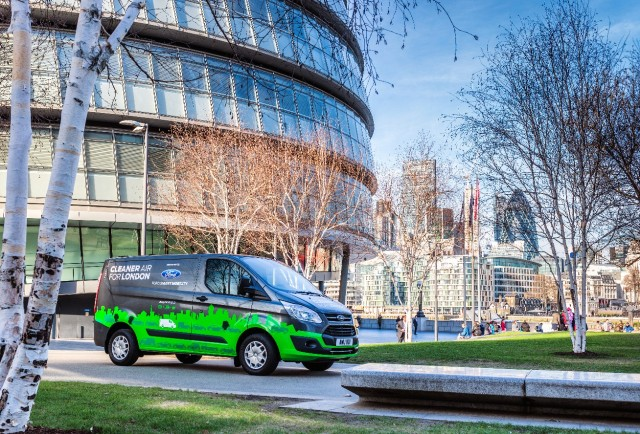 0345e49ab7 Ford to test plug-in hybrid Transit Custom van in London