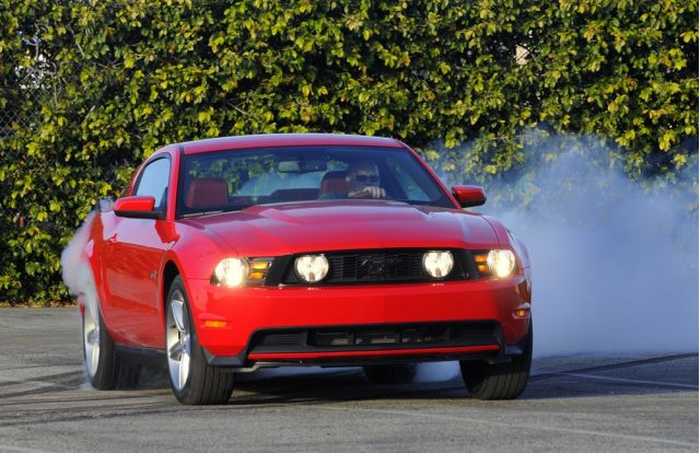 Closer Look At The 2010 Mustang Gt Track Pack Option