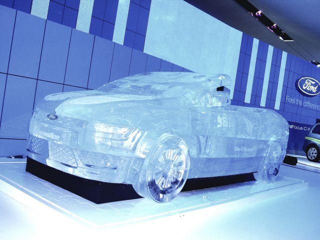 FOrd Focus Coupe-Cabriolet On Ice