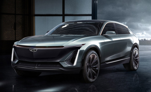 Future Cadillac long-range electric large luxury utility vehicle (rendering), 2019 Detroit auto sho