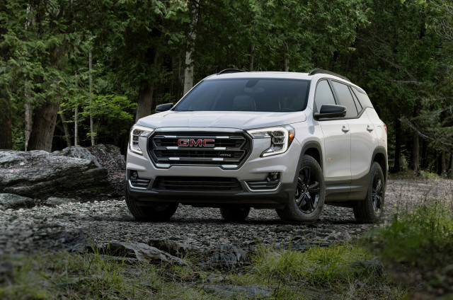2022 GMC Terrain sports fresh face, rugged AT4 trim
