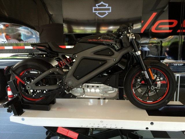 Live Wire Electric >> Harley Davidson Livewire Electric Motorcycle Concept Test Ride