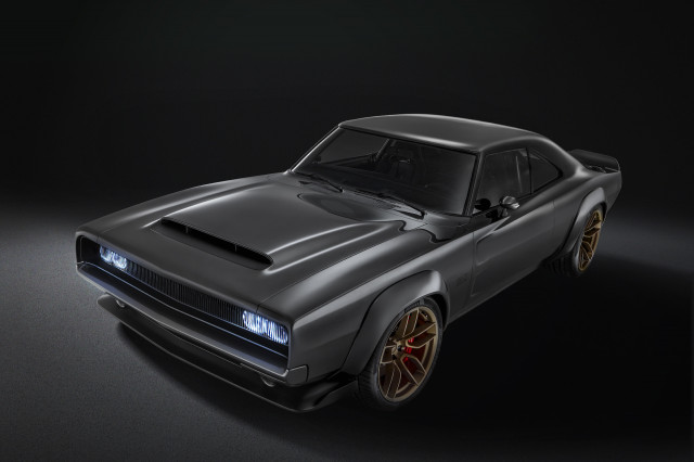 Mopar shows-off 746 kW Dodge Charger Hellephant at SEMA