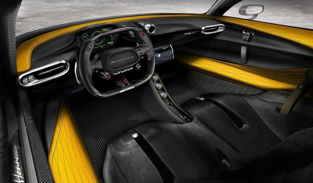 Take A Look Inside The '300mph' Hennessey Venom F5