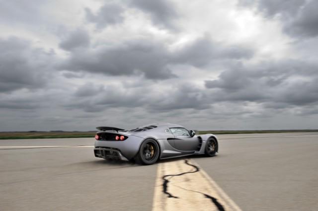 Hennessey Venom GT hits 265.7 mph
