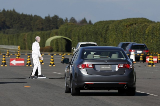 NTSB calls on Congress to make collision-avoidance tech mandatory for new vehicles