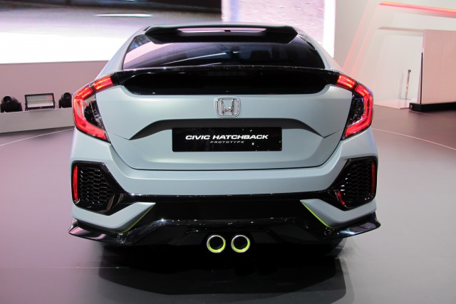 honda civic hatchback unveiled  geneva