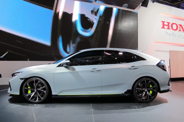 2017 honda civic hatchback unveiled in geneva. Black Bedroom Furniture Sets. Home Design Ideas
