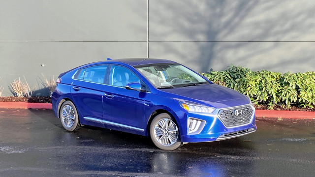 Hyundai Ioniq Plug-In Hybrid - January 2021