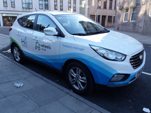 Hyundai ix35 (Tucson) Fuel Cell for H2 Aberdeen car-sharing service, Scotland [Intl Man of Mystery]