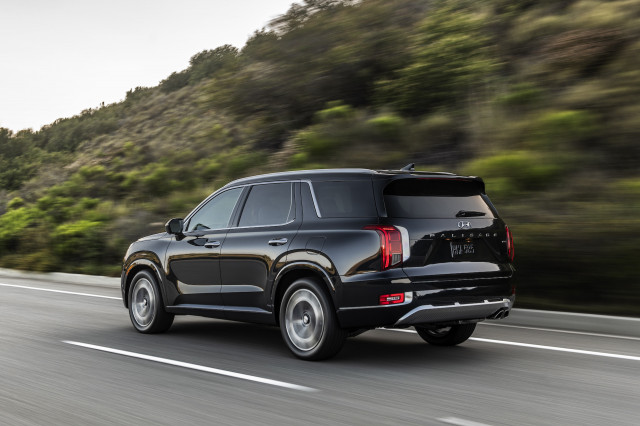 2021 Hyundai Palisade, 2023 Porsche Cayenne Coupe, Biden fuel-economy targets: What's New @ The Car Connection