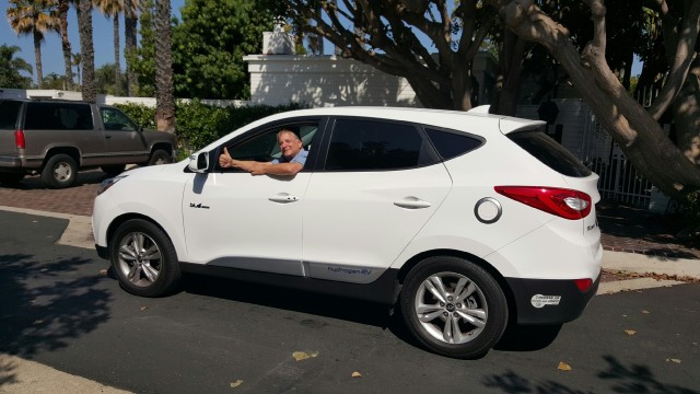 Hyundai Tucson Fuel Cell leased by Paul Berkman, Corona del Mar, California