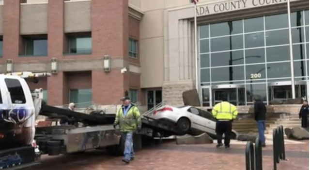 Idaho man being distur... Boise Courthouse Crash