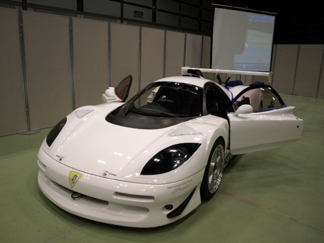 Jaguar XJR-15 equipped with YGK EER-Hybrid system