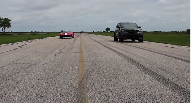 Jeep Trackhawk HPE1000 is faster down the drag strip than a Ford GT