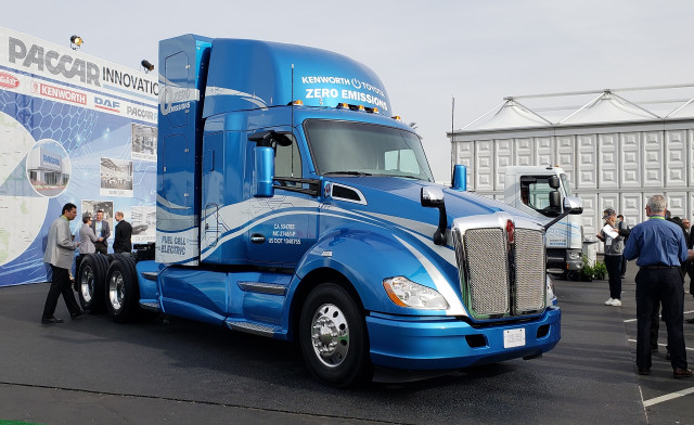Kenworth T680 powered by Toyota hydrogen fuel-cell powertrain, at 2019 Consumer Electronics Sh