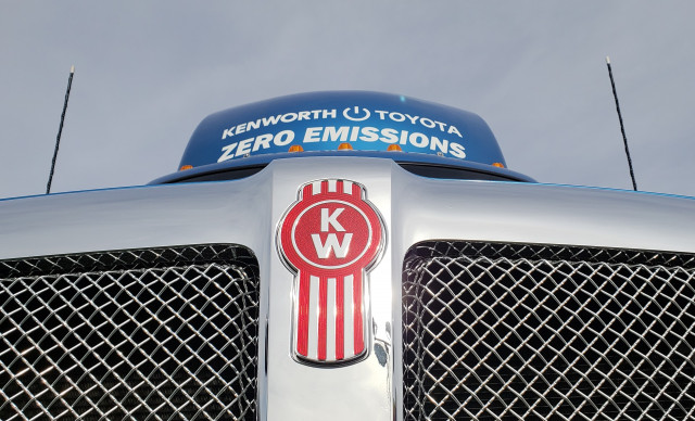 Toyota and Kenworth to build 10 fuel-cell semis for LA port duty