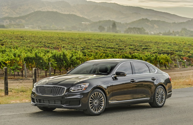 Kia cancels K900 and Cadenza sedans for 2021