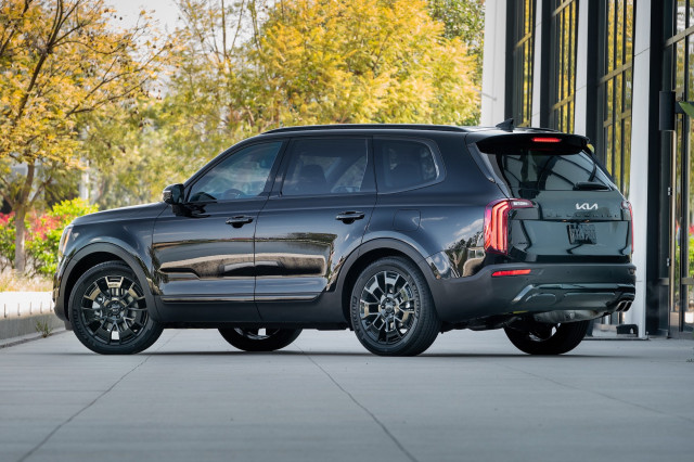 2022 Kia Telluride priced, 2021 Kia K5 GT tested, Canoo EVs set for 2022: What's New @ The Car Connection