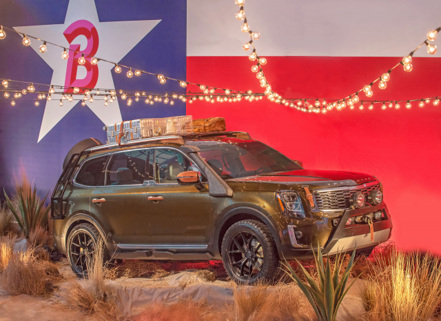 2020 Kia Telluride first look: 3-row crossover SUV makes runway debut