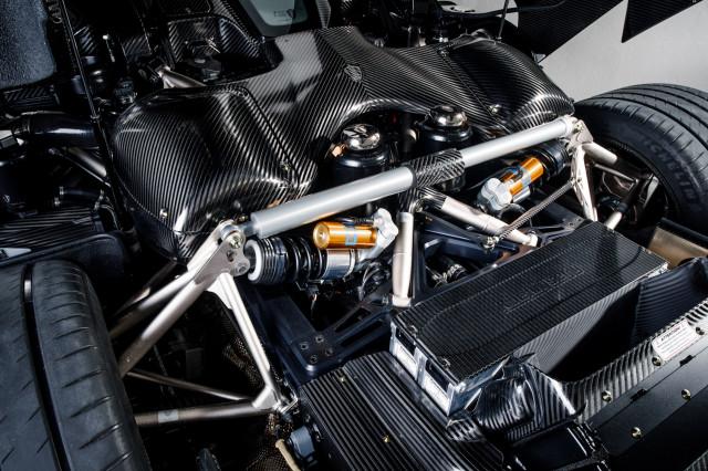 Koenigsegg Regera in bare carbon fiber - Image via Keno Zache Photography/Carage
