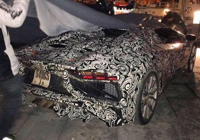 Lamborghini Aventador SuperVeloce Roadster spy shots - Image via Teamspeed forums