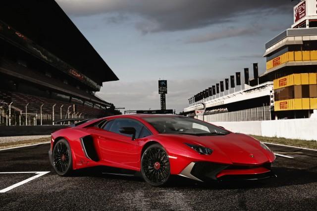 2016 Lamborghini Aventador SuperVeloce (SV)