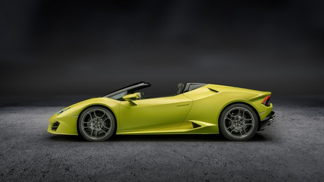 Lamborghini Huracan Rwd Spyder First Drive Review A Supercar
