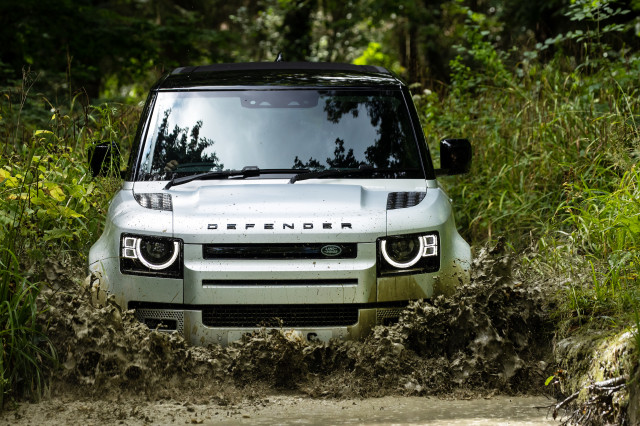 2021 Land Rover Defender overview, 911 Turbos race against time, what green cars mean today: What's New @ The Car Connection