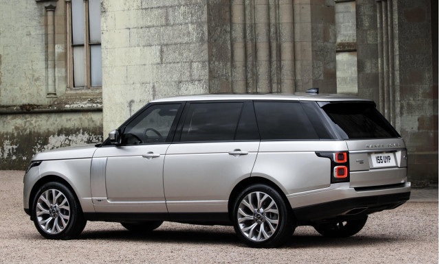 2019 land rover range rover p400e plug in hybrid revealed on sale in us next year. Black Bedroom Furniture Sets. Home Design Ideas