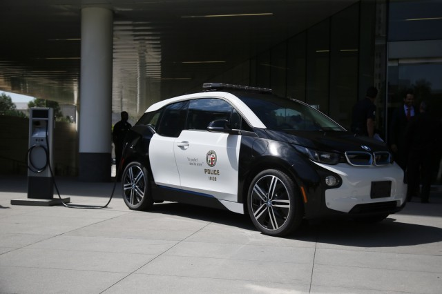 Lapd Gets Tesla Model S Bmw I3 Electric Cars As Police