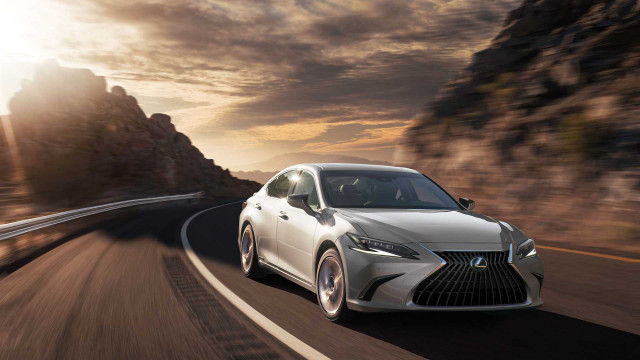 2022 Lexus ES upgrades standard features, adds touchscreen