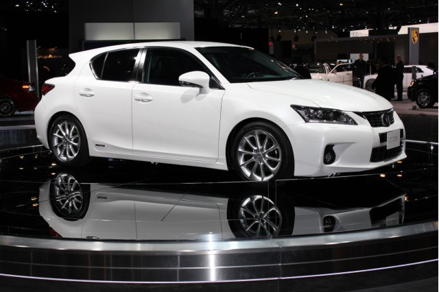 lexus ct 200h may spawn plug-in hybrid version  gallery 1