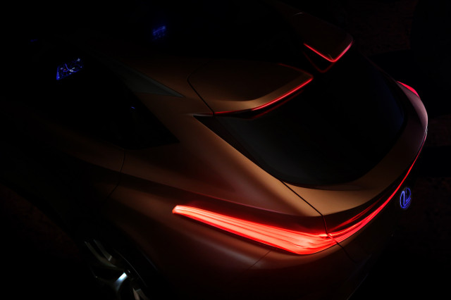 Lexus concept points to sporty flagship crossover