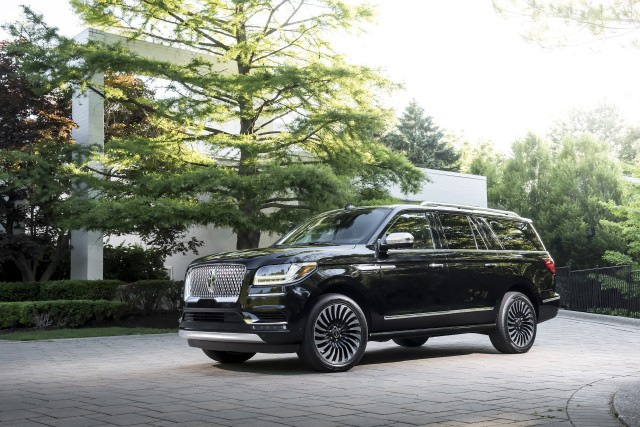 2018 lincoln navigator spy shots. exellent lincoln 2019 lincoln navigator l in black label destination trim to 2018 lincoln navigator spy shots