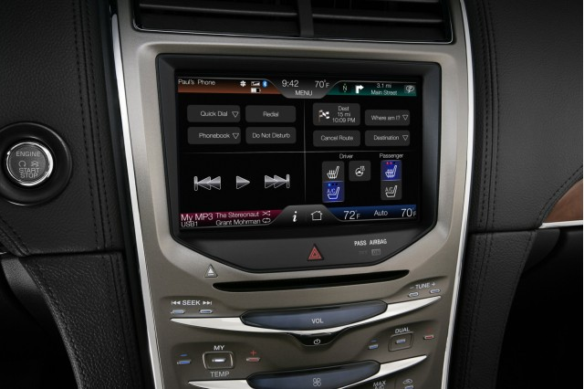 MyLincoln Touch - 2011 Lincoln MKX
