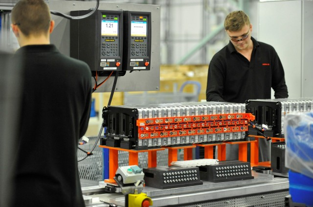 Lithium-ion cell and battery pack assembly for Nissan Leaf electric car in Sunderland, U.K., plant