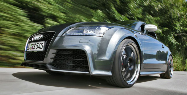 A simple mod of the ECU sees the TT-RS develop up to 400hp and 406lb-ft of torque from its 2.5L five-cylinder engine