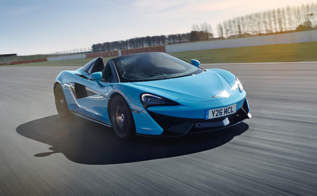 2019 McLaren 570S Spider equipped with Track Pack